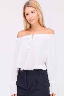 Blouse epaules denudees manches volants a nouer