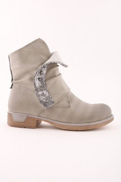 Shiny zip ankle boots and beads with bi-materials