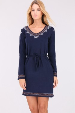 Pull robe broderie maille fine