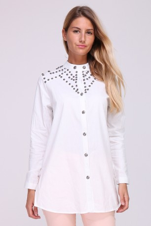 Long cotton shirt studded on shoulders