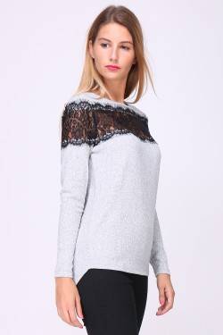 Openwork bust top with lace