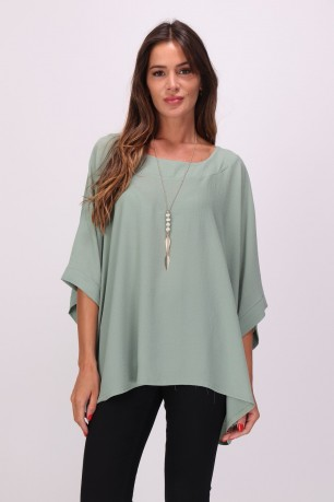 Blouse with necklace