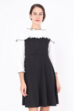Pleated collar dress 30% Cotton 30% Rayon 40% Polyester