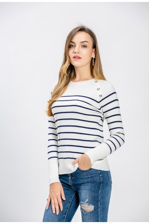PULL MARIN AVEC BOUTONS
