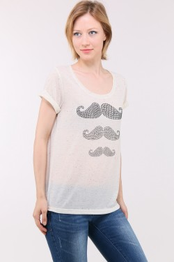 T-shirt decorated with rhinestones that form three mustaches