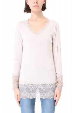 Top washed-out with lace