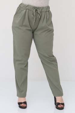 Super stretchy pants with front pleats