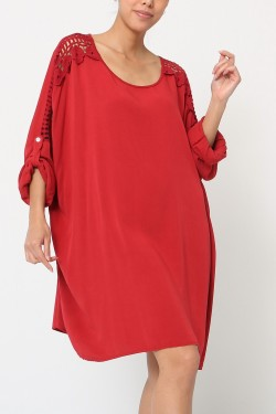 Oversize tunic with lace on sleeves