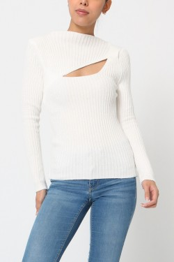 Jumper with ouverture
