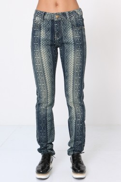 Skinny jeans with dyed print