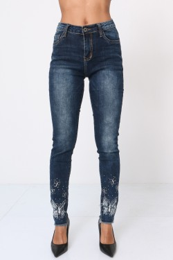 Jeans with butterfly embroidery and rhinestones