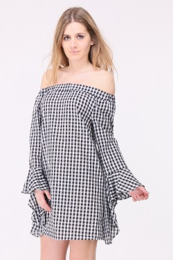 Gingham print cotton blouse with sleeves with ruffles and bare shoulders